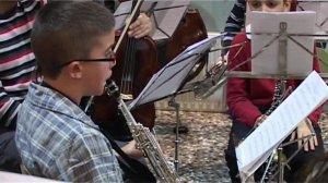 El Conjunt Instrumental de l'EMAB al Col·legi Sant Roc el proppassat 26 de març
