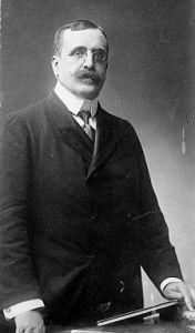 José Canalejas Méndez (Ferrol, 1854-Madrid, 1912). A ell està dedicat el Pont del Viaducte de Canalejas