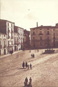 Plaça Sant Agustí al 1898, on es va estrenar la versió de 1886