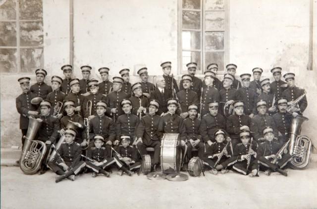 La Primitiva al 1925 amb Julio Laporta de director. També va ser director de La Nova entre 1900 i 1910