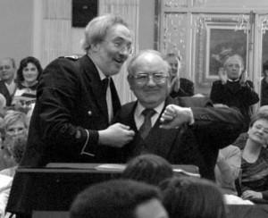 """Gregorio Casasempere y Amando Blanquer en el concierto con el que La Primitiva iniciaba sus festejos por el 175 aniversario, el 19 de marzo de 2005, en el que la banda interpretó """"Entornos"""""""