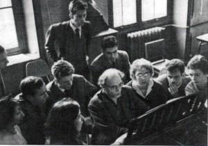 Clase en París de Olivier Messiaen. Blanquer, de pie, a la izquierda