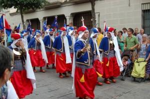 Els Bequeteros a la desfilada matinal per Mataró (Foto: P. Martínez)