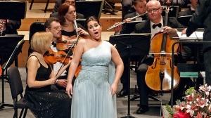 Tania Bou va inaugurar l'any al Calderón amb la Lemberg Philarmonic Orchestra