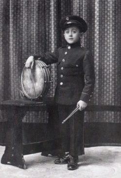 Un xiquet percussionista de La Nova, Joan Valls i Jordà