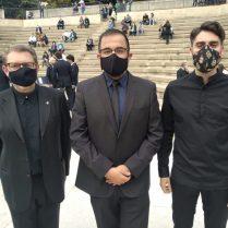 Els tres directors amb mascarella